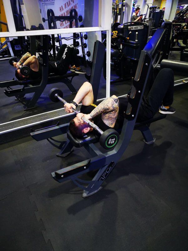 antrenament sala triceps