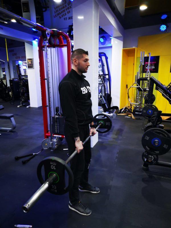 exercitii masa musculara picioare