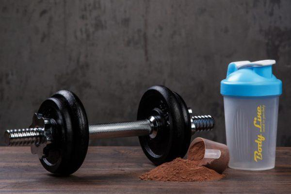 proteine din zer - amestecare shaker