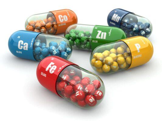 Reprezentare capsule minerale în articol Care este diferența dintre vitamine și minerale