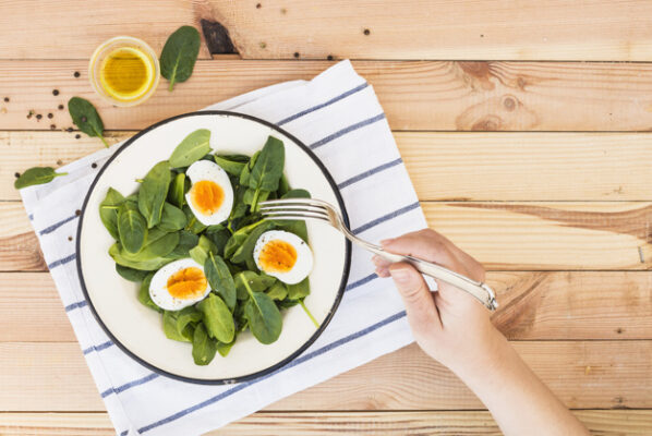 Oua + Ulei de Avocado + Spanac - asocierea alimentelor