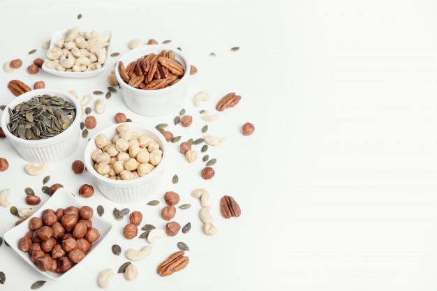 . Semințe de dovleac și alune