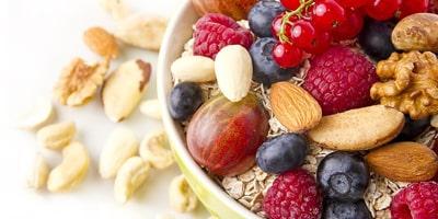 Dieta F-FACTOR mic dejun fructe de padure
