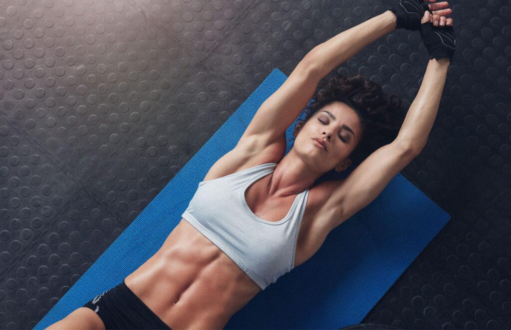 fitness woman - exercitii pentru abdomen