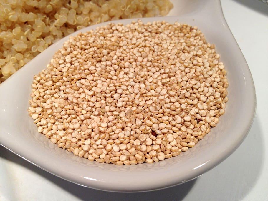 quinoa seminte bogate in vitamine si minerale